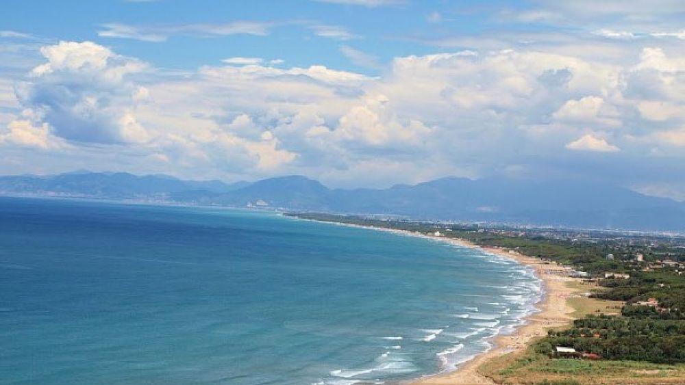 Matrimonio Spiaggia Paestum : Bandiera blu capaccio paestum festeggia a torre di