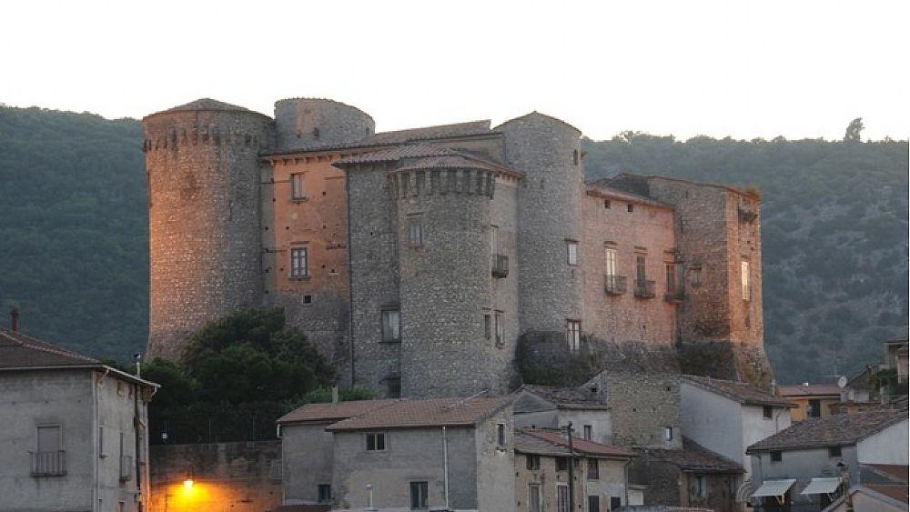 libri - 05012018 roccadaspide castello 03.jpg