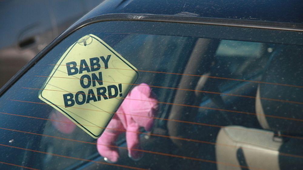 06012017 bambini in auto