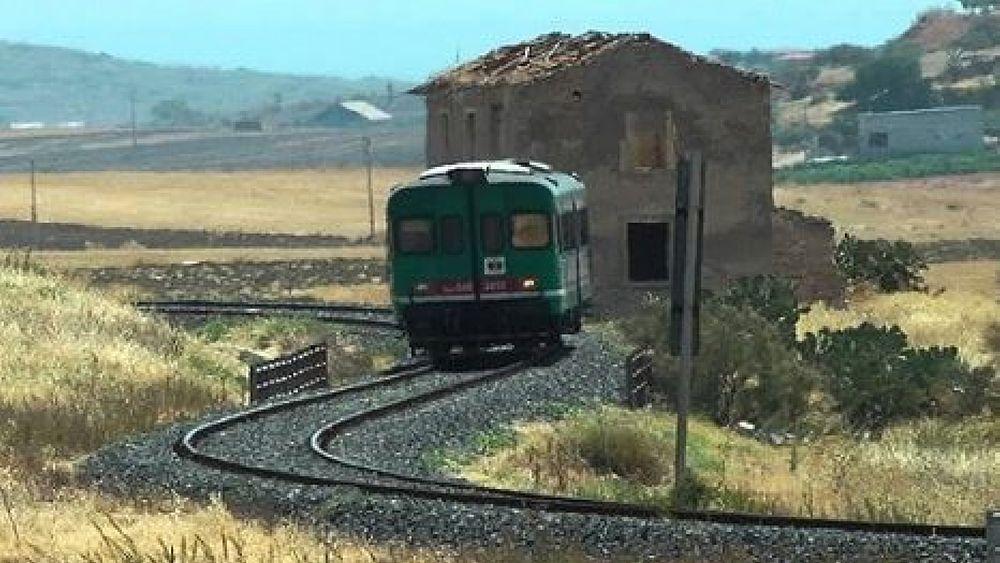 09122016 vecchio treno su vecchio binario