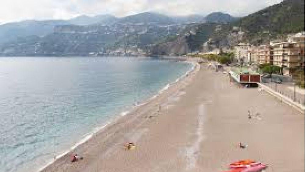Salerno, le spiagge libere: regole su misura per ogni ...