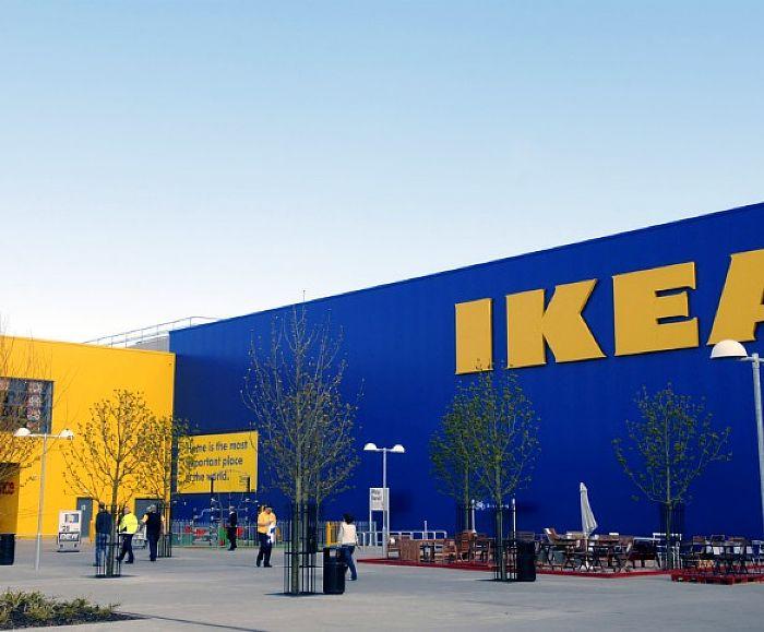 Plafoniere Ikea A Soffitto : Rischio caduta» ikea ritira in tutto il mondo 840.000 lampade da