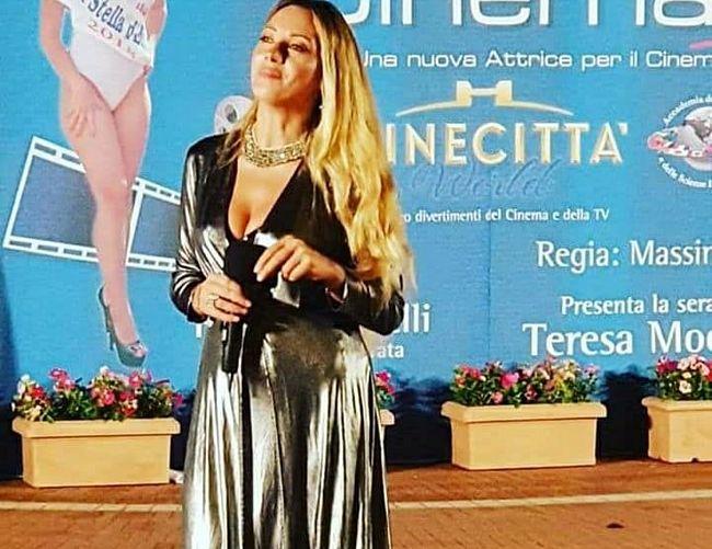 Tonino-Luppino foto - 11092018 La presentarice e cantante Teresa Moccia 2