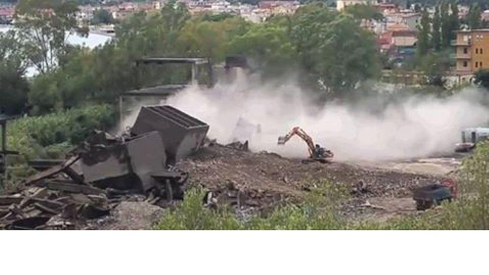 12102016 demolito cementificio sapri