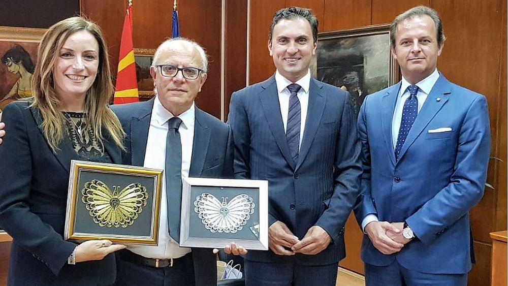 sito di incontri macedoni LDS dating allenatore