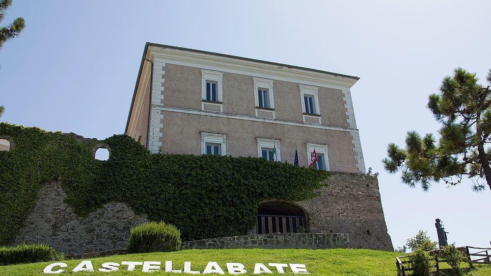 16052018 CASTELLO DELL ABATE CASTELLABATE BORGO