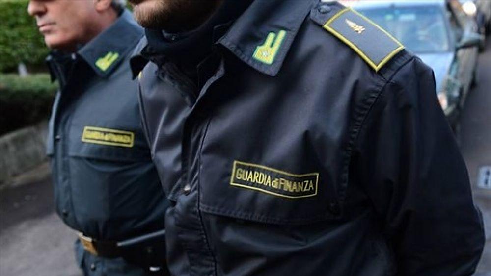 Castellammare, intascavano falsi rimborsi Irpef: maxi truffa scoperta dalla Finanza