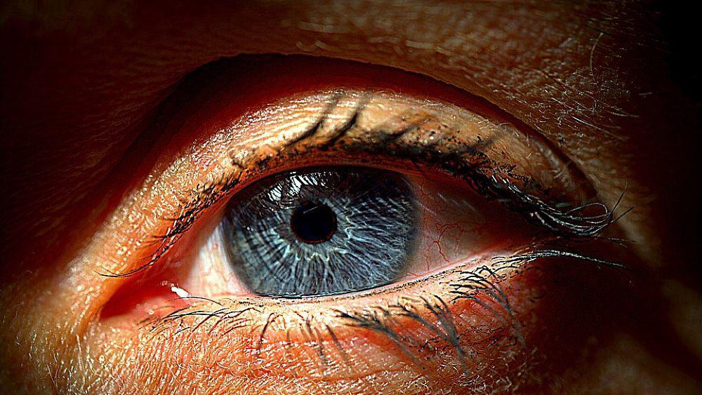 18032017 occhio di una donna