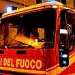 Nella notte vasto incendio in un cantiere a Salerno, Vigili del Fuoco a lavoro per oltre 3 ore