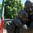 Cilento - Le ultime Notizie foto - 22052015 statua dell amore a kiev