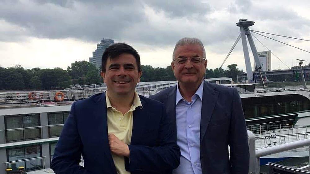 Intervento Unico Al Ruggi Di Salerno Asportato Tumore Di 15 Kg Da