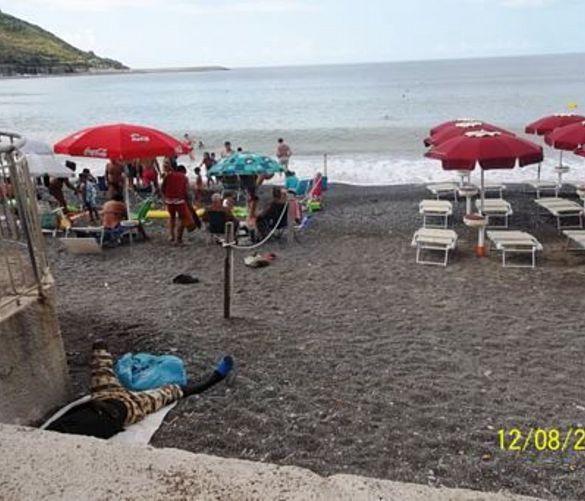 Paolo-Abbate foto - 27032017 spiaggia con lidi