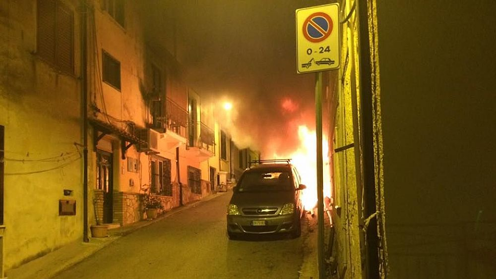 31122016 incendio auto castellabate