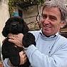 AcciaroliNotizie foto - angelo vassallo e cagnolino nero