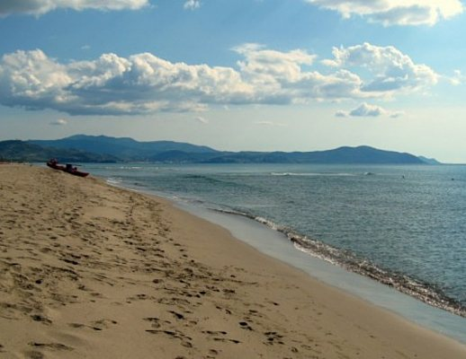 Matrimonio Spiaggia Paestum : Capaccio spiaggia sporca il sindaco voza fa un ordinanza